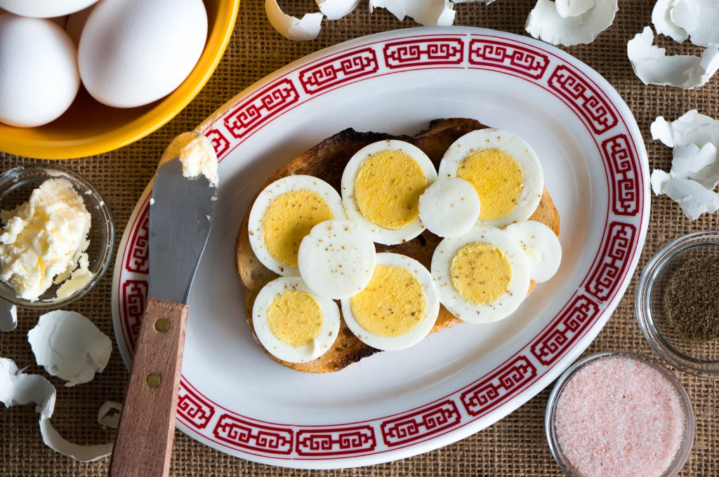 Hard Boiled Eggs on Toast - one of my favorite simple and healthy breakfasts any time of year, but especially around Easter. Plus, see my tips for cooking the perfect hard boiled egg!