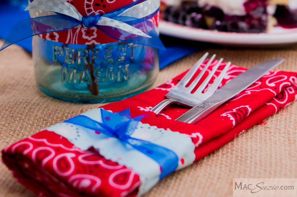 MacSuzie | 4th of July Table Decor