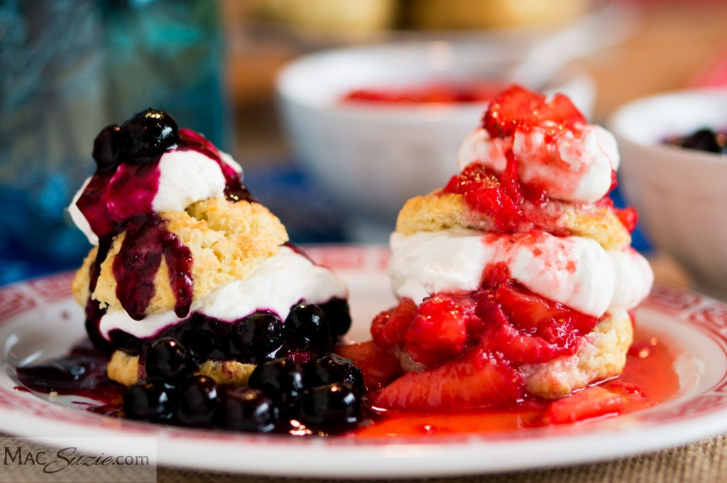 MacSuzie | Mini Red, White and Blueberry Strawberry Shortcakes